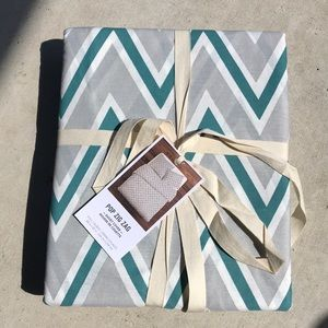 West Elm Pop Zig Zag F/Q Duvet Cover, NWT